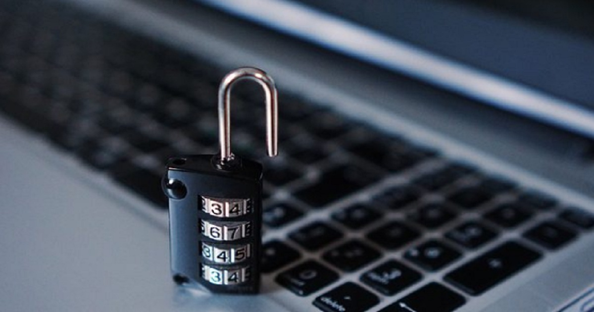 90% OF EMPLOYEES RISK DATA BREACHES WHEN USING REMOVABLE DEVICES