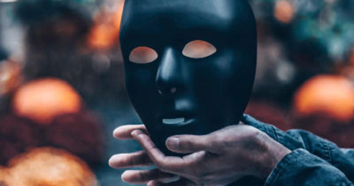 UNMASK CYBERCRIMINALS THROUGH IDENTITY ATTRIBUTION