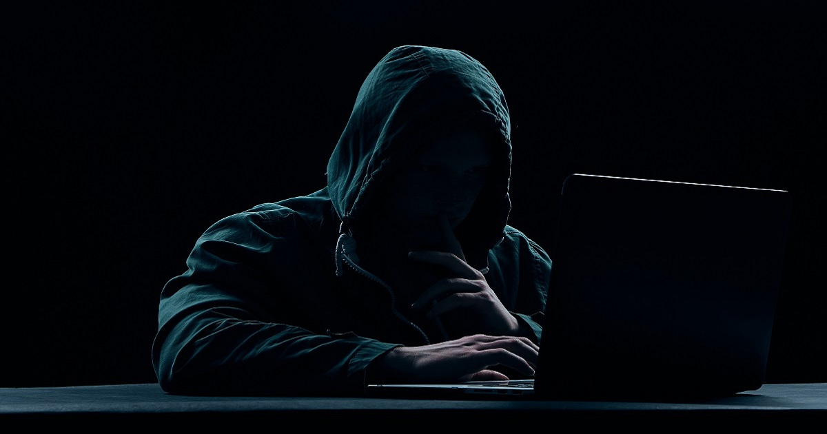HOW TO RECOGNIZE A HACKED LAPTOP CAMERA?